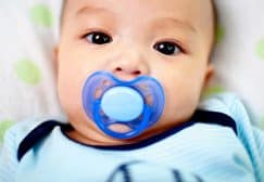 10 Best Pacifiers For Breastfed Baby 2019 (Make Your Child Calm)