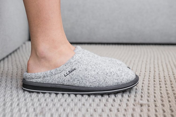 10 Best Slippers For Women 2019 (Make You Comfort in All Moment)