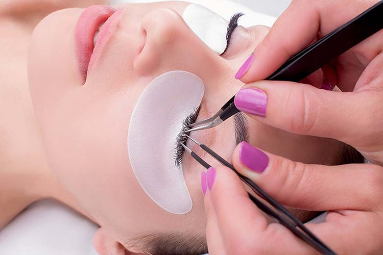 10 Best Eyelash Glues 2019 to Make You Charming Eyes