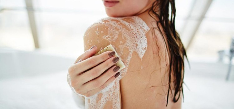 10 Best Body Washes For Sensitive Skin 2019 (Soft & Safe)