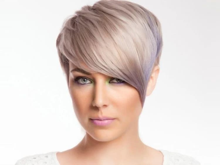 styling tips for women with short haircuts