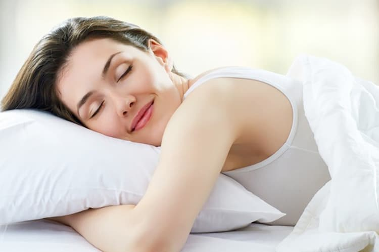 9 Reasons Why Proper Sleep Give You a Natural Glow on your face