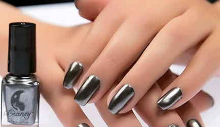 10 Best Grey Nail Polish 2019 (Make Your Nails Look Classy and Chic)